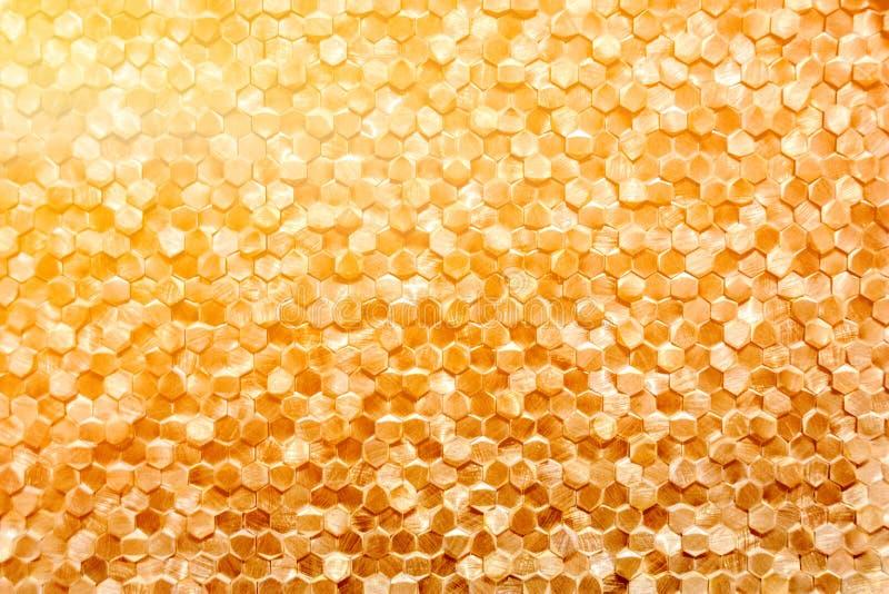 Eine Nahaufnahme eines goldenen Wanddekorationsluxusmusters stockfotos