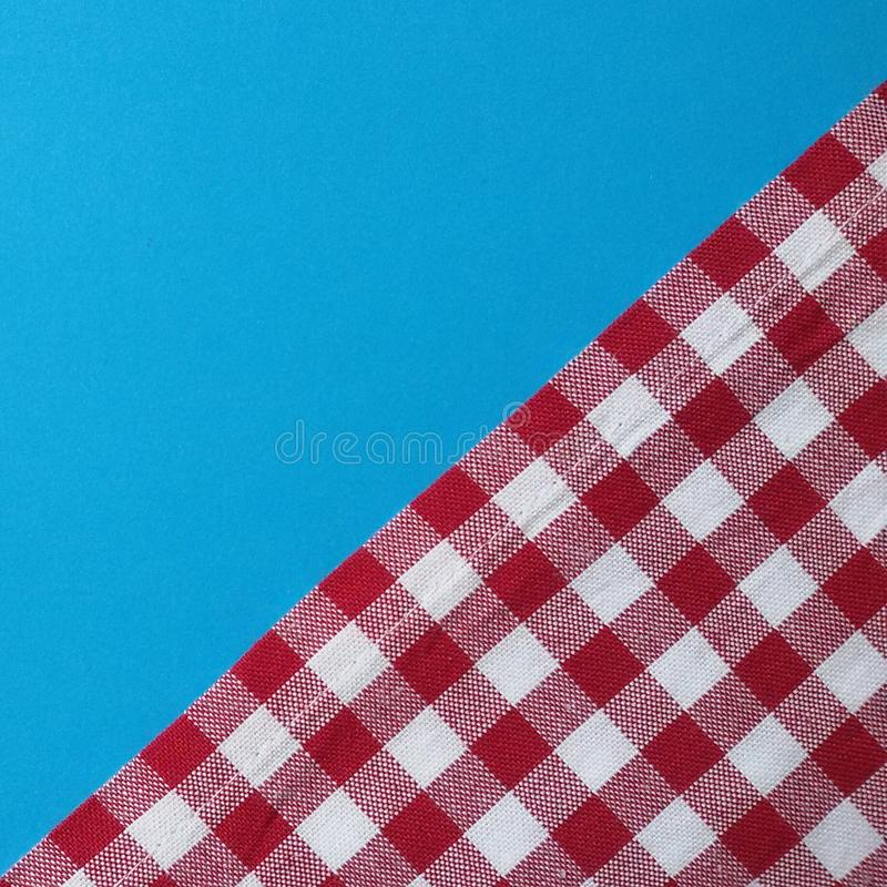 Eine neue Tischdecke Rotes kariertes Muster Oktoberfest-Thema lizenzfreies stockbild
