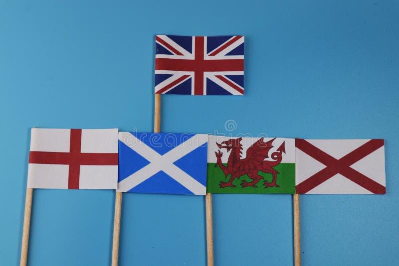 Eine offizielle Flagge von Vereinigtem Königreich und Flaggen ihrer Mitglieder Schottland, England, Wales, Nordirland lizenzfreies stockbild