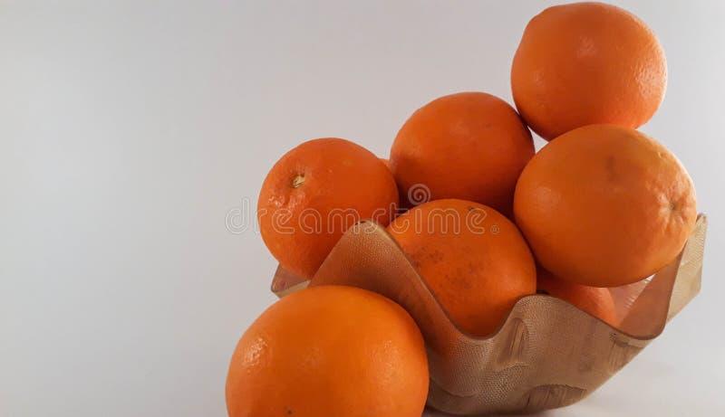 Eine Platte von Orangen stockbild