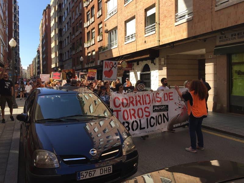 Eine Sammlung auf den Straßen von gijón Spanien gegen Stierkampf stockfoto