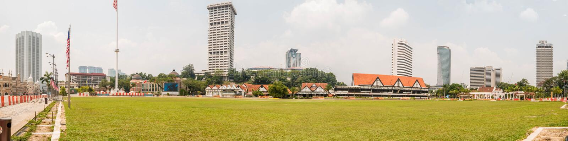 Eine schöne Ansicht von Fluss des Lebens fügte in Gombak-Fluss hinzu : Sultansabdul-samad Gebäude in Kuala Lumpur, Malaysia lizenzfreie stockbilder