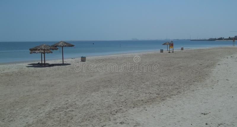 Eine schöne Strand-Ansicht über die Ostküste von Saudi-Arabien stockbild