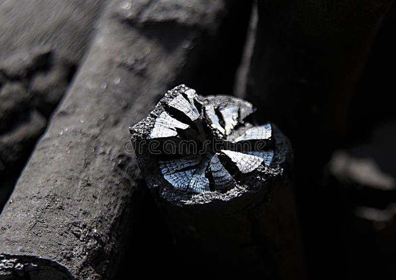 Eine schwarze Kohle für Energie lizenzfreies stockbild