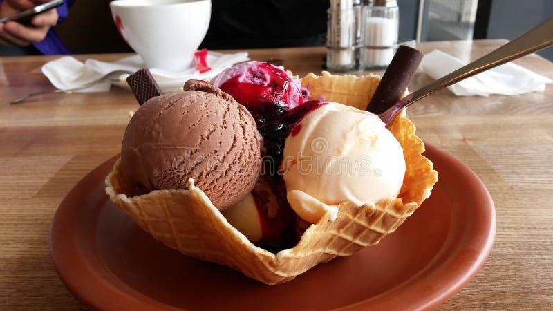 Eine sehr köstliche Eiscreme stockbilder