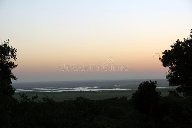 Eine Sonnenuntergangansicht von See St Lucia vom nahen Kap Vidal lizenzfreies stockfoto