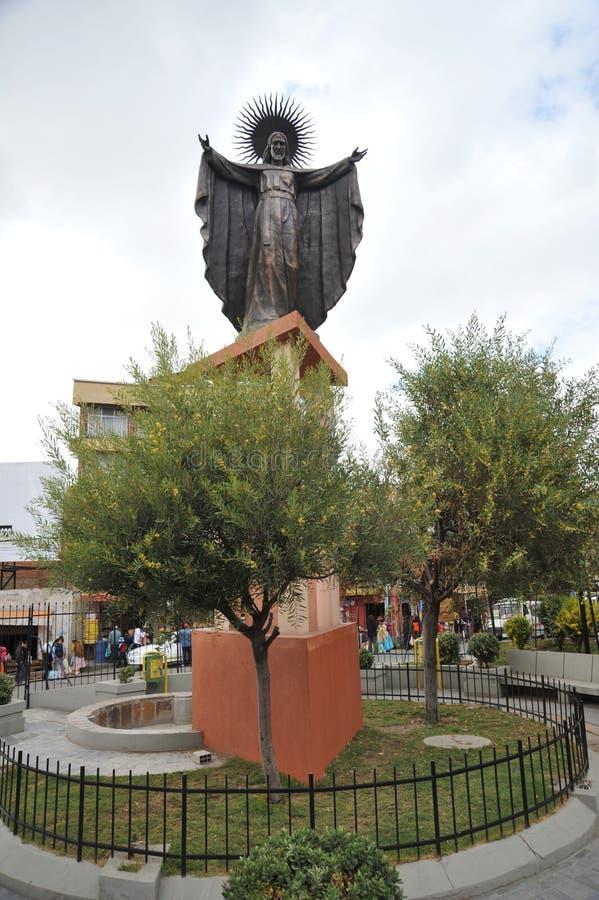 Eine Statue von Jesus in der Stadt von La Paz stockbild