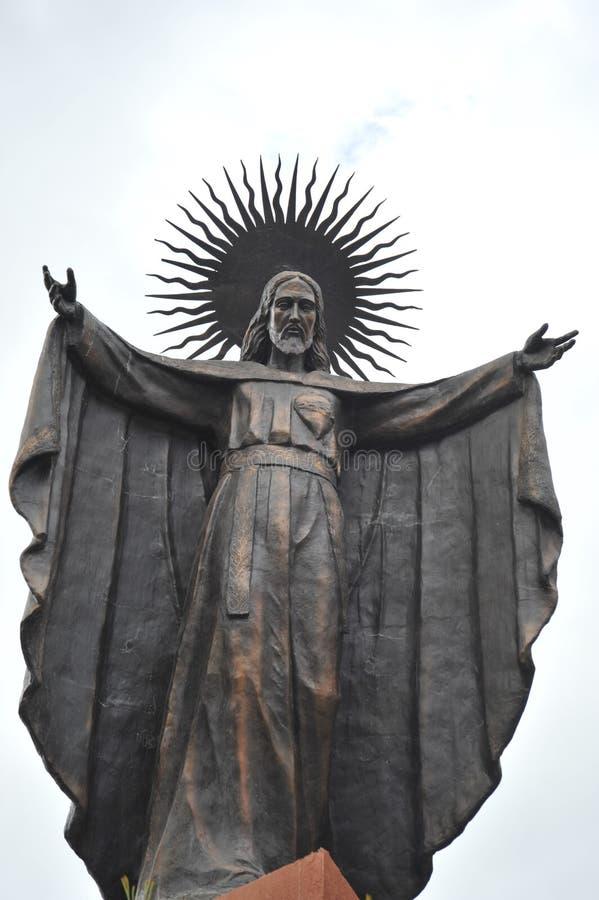 Eine Statue von Jesus in der Stadt von La Paz stockfotos