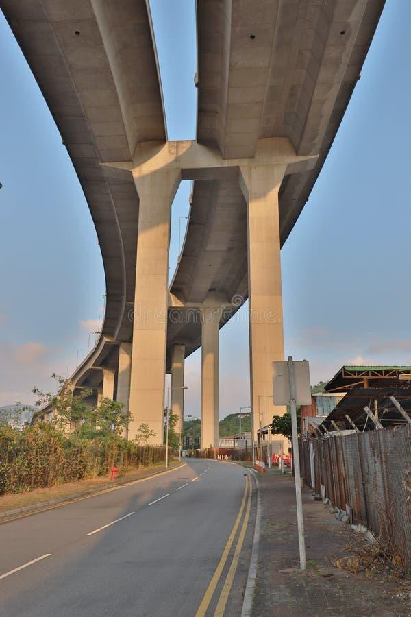 Eine Stonecutters-Brücke und die Tsing-sha Landstraße stockfotos