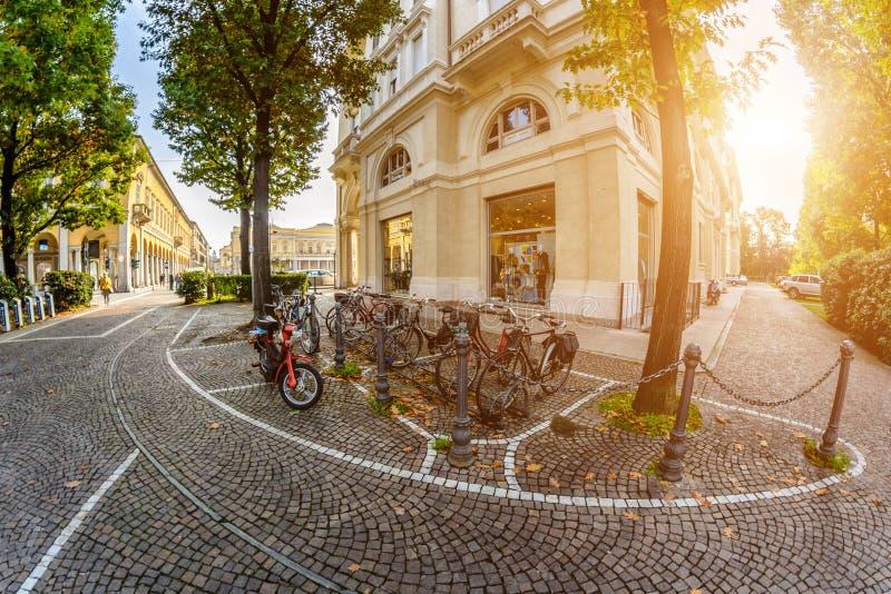 Eine Straße in Italien tonen lizenzfreie stockfotos