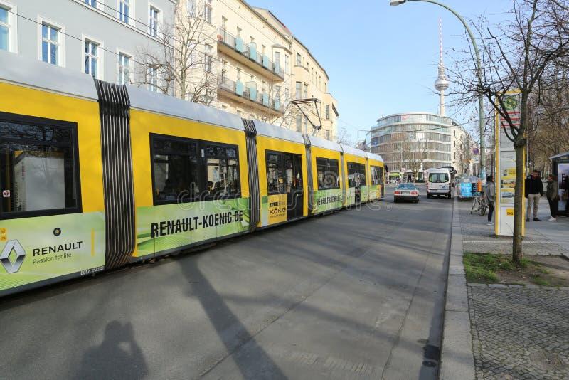 Eine Straßentram in Berlin, Deutschland stockfotografie