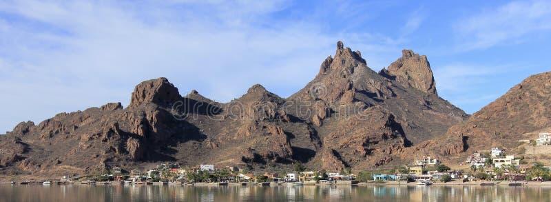 Eine szenische Ansicht von Tetakawi-Berg über Rancho San Carlos, Sono stockbild