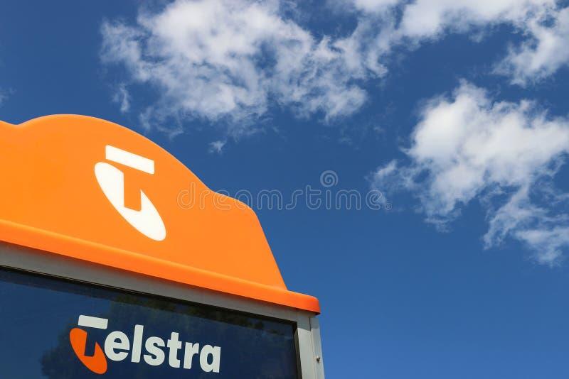 Eine Telstra-Telefonzelle Völlig privatisiertes Telstra Corporation Limited ist Australiens größte Telekommunikationsgesellschaft lizenzfreie stockfotografie
