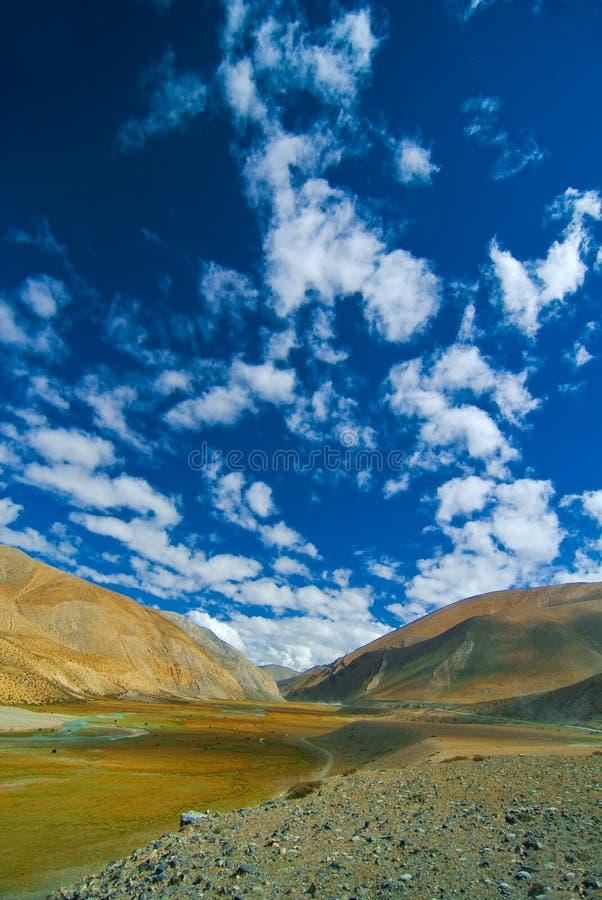 Eine tibetanische Landschaft stockfotos