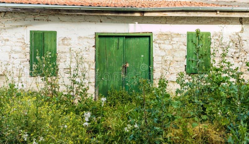 Eine typische Ansicht in das traditionelle Dorf Omodos in Zypern lizenzfreies stockbild