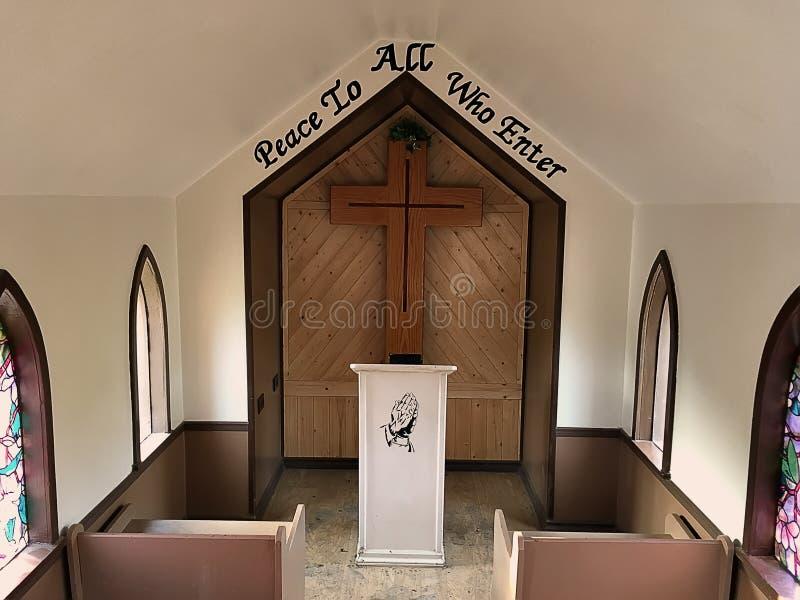 Eine würdevolle Kirche lizenzfreie stockfotografie