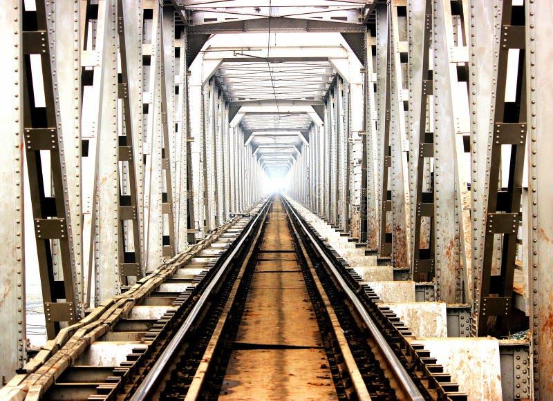 Eine Yamuma-Flussbrücke stockfotografie