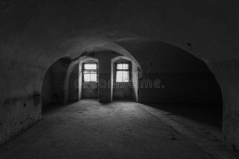 Eine Zelle in einer verlassenen Festung lizenzfreie stockbilder