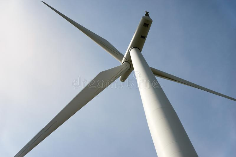 einer Energie oben betrachten, die Windkraftanlage erzeugt stockbild