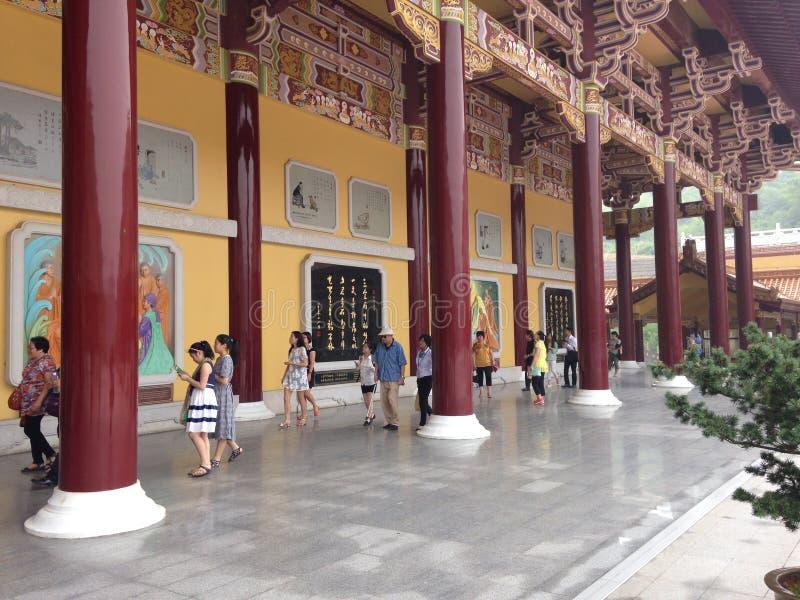 Eingang des buddhistischen Klosters lizenzfreie stockfotos