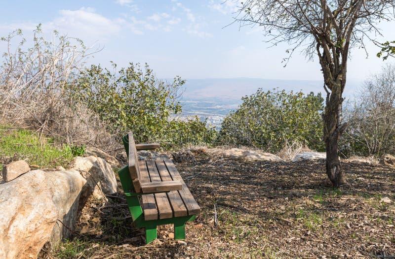 Am Eingang des israelischen Margaliot-Dorfes in Obergaliläa in Nordisrael befindet sich eine Ruhepause lizenzfreies stockfoto