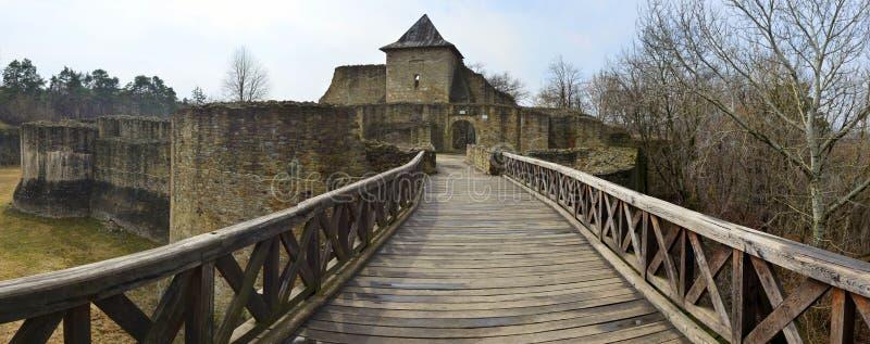 Eingang in die Festung von Suceava, Rumänien lizenzfreie stockfotos