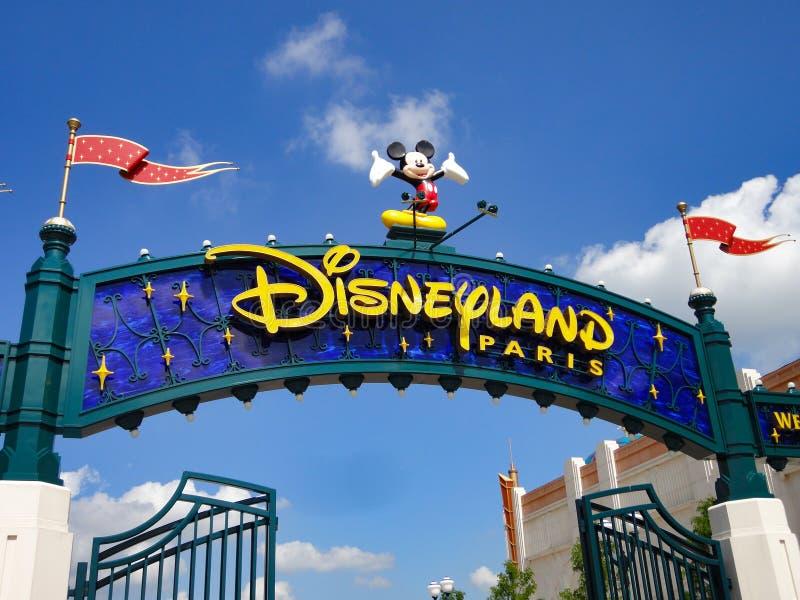 Eingang von Disneyland Paris lizenzfreie stockbilder