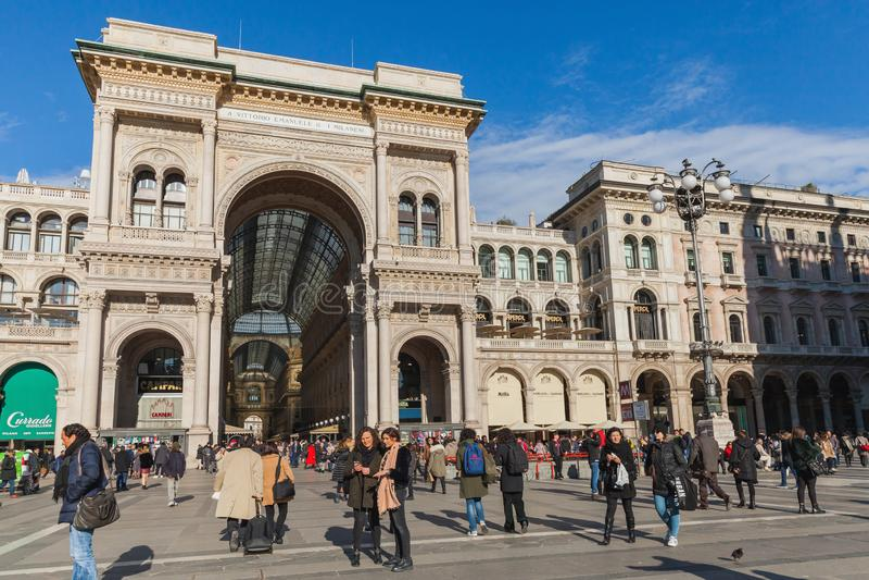 Eingang von Galleria Vittorio Emanuele II lizenzfreies stockfoto