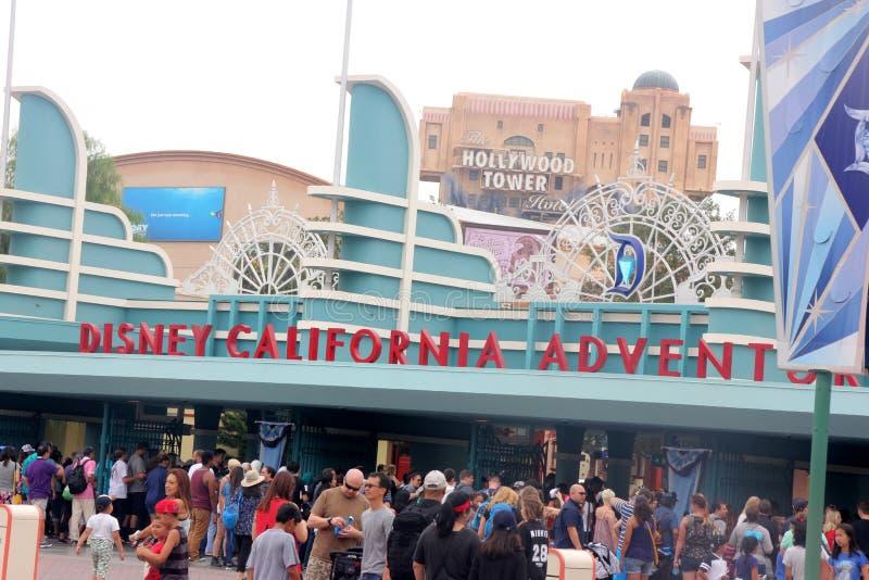Eingang zu Abenteuer Disneylands Kalifornien stockbild