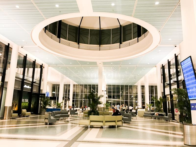 Eingang zu Charleston International Airport lizenzfreies stockfoto