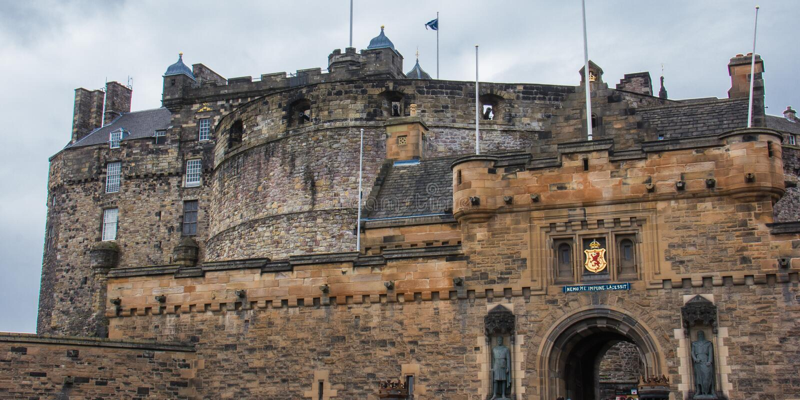 Eingang zu Edinburgh-Schloss lizenzfreies stockbild