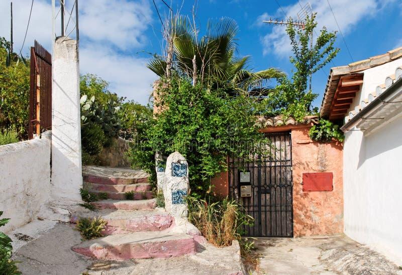 Eingang zu einem kleinen Haus in Sacromonte Bezirk O stockbild