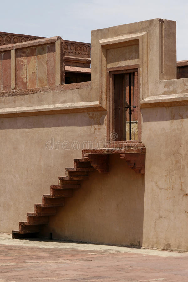 Eingang zu einem verlassenen Tempel in Fatehpur Sikri stockfoto