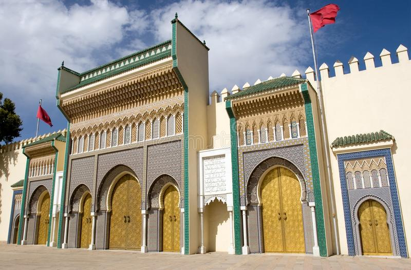 Eingang zu Royal Palace in Fes, Marokko lizenzfreies stockfoto