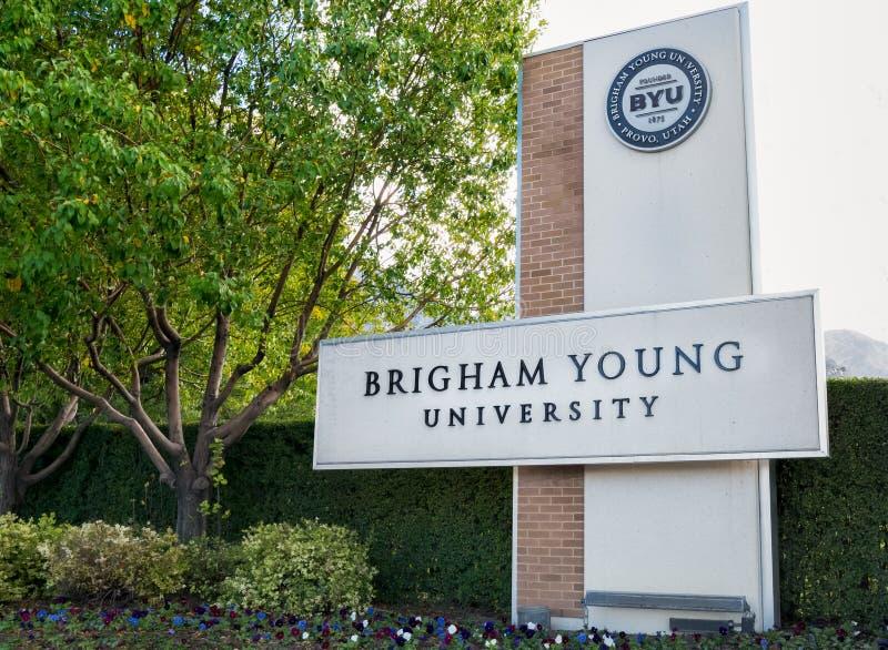 Eingang zum Campus von Brigham Young University lizenzfreie stockfotos