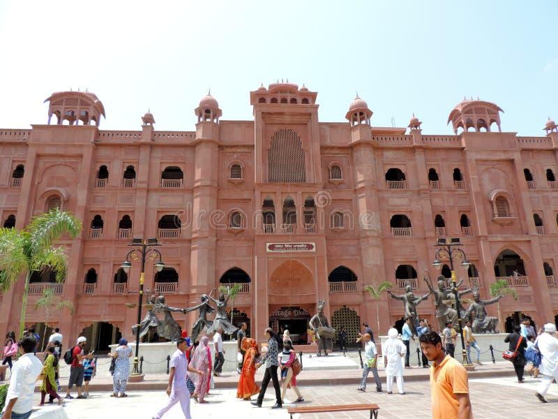 Eingang zum goldenen Tempel, Amritsar, Indien lizenzfreie stockfotos