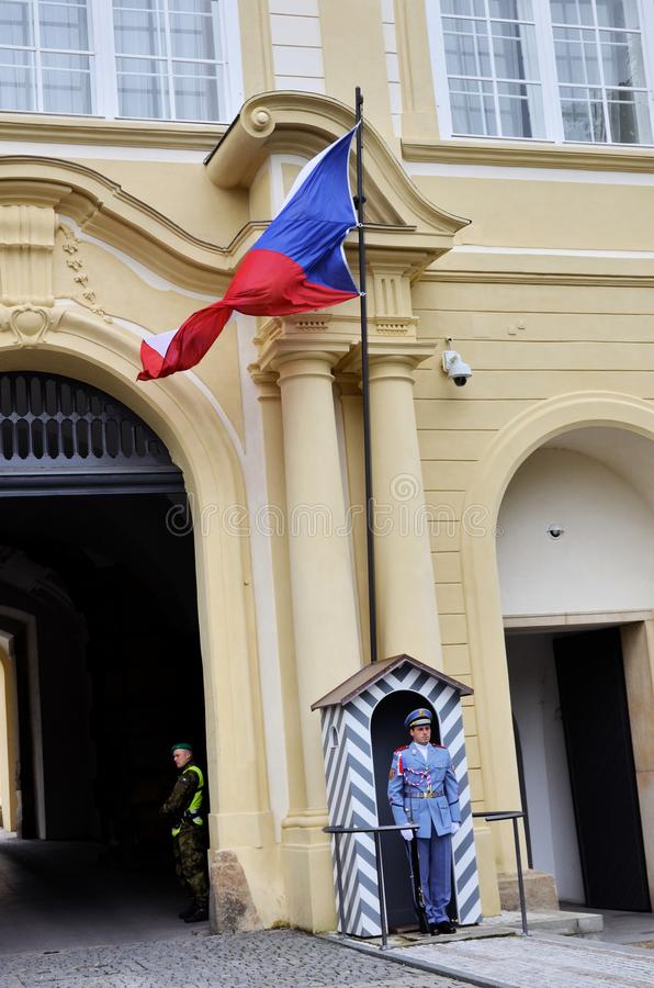 Eingang zum Schloss von Prag stockbild
