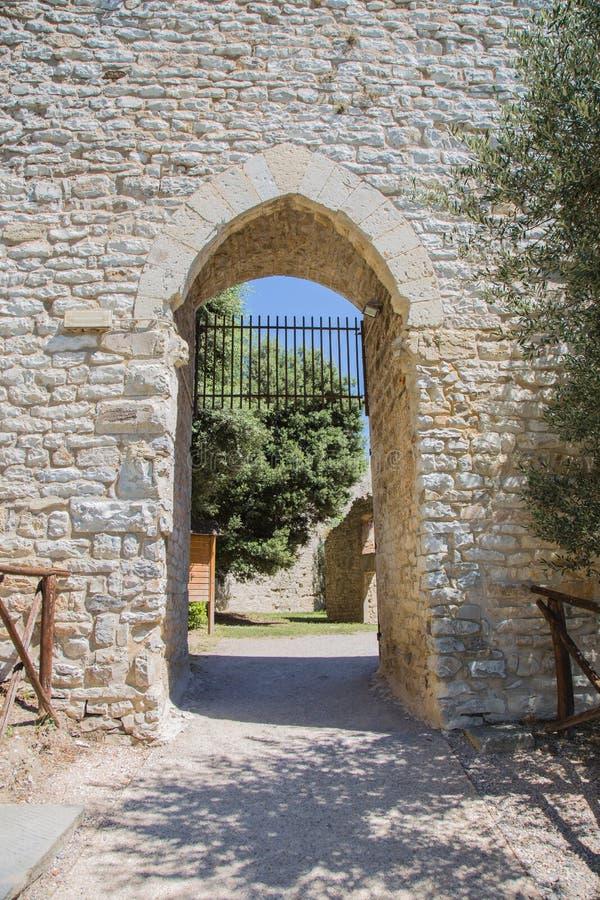 Eingang zur Festung lizenzfreie stockbilder