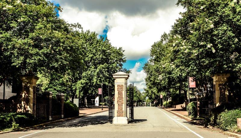 Eingang zur Universität von Süd-Carolina Campus in Kolumbien lizenzfreies stockbild