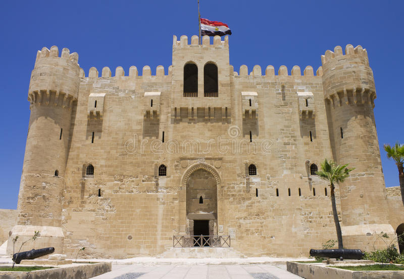 Eingang zur Zitadelle von Qaitbay lizenzfreies stockbild