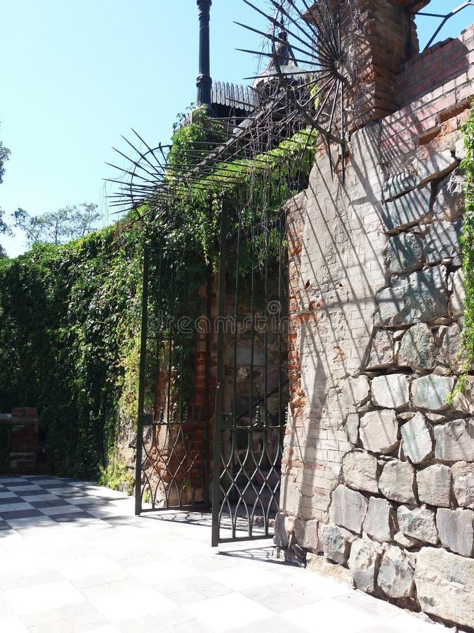 Eingangs-Tor Hidalgo-Schloss stockbilder