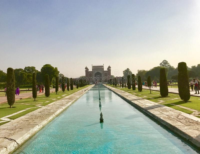 Eingangstor zu Taj Mahal stockbilder