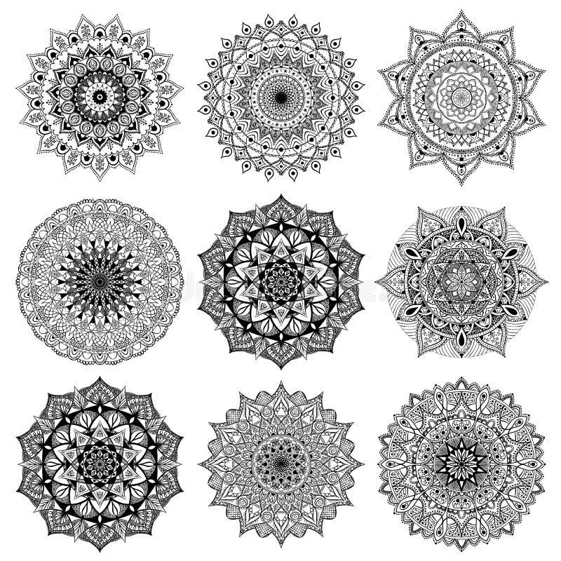Eingestellte freih?ndige ethnische orientalische Muster Sammlung Vektormandalen f?r die F?rbung stock abbildung