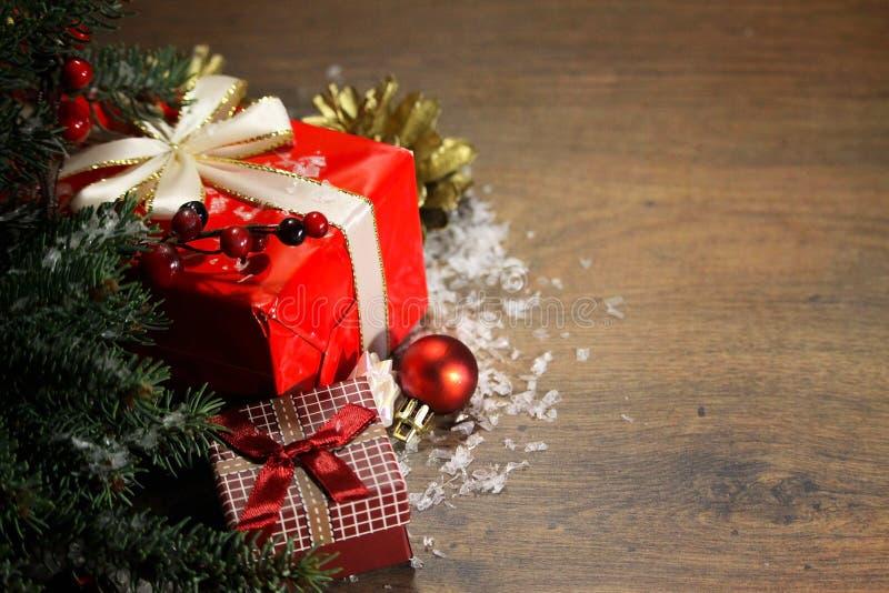 eingewickelte Geschenke lizenzfreie stockfotografie