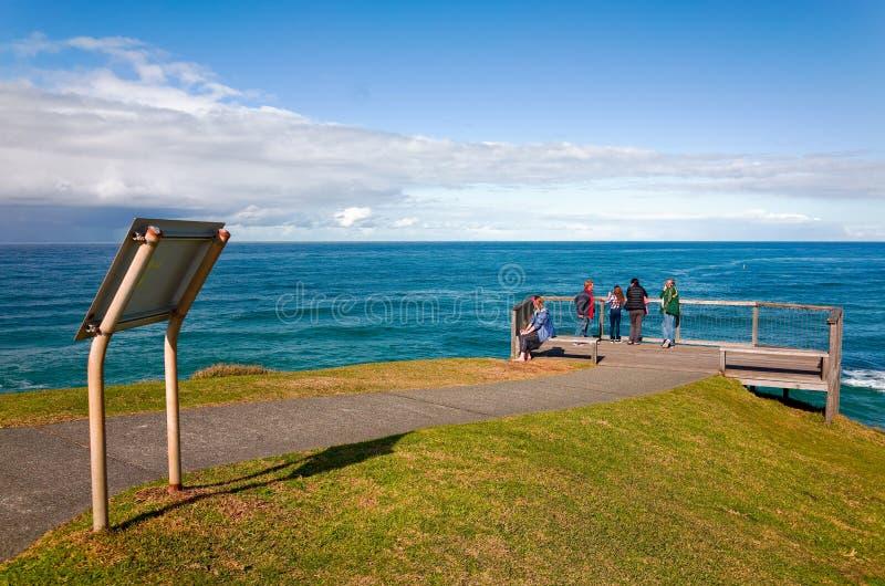 Eingezäunter Ozeanausblick für Touristen am Hafen Macquarie stockbild