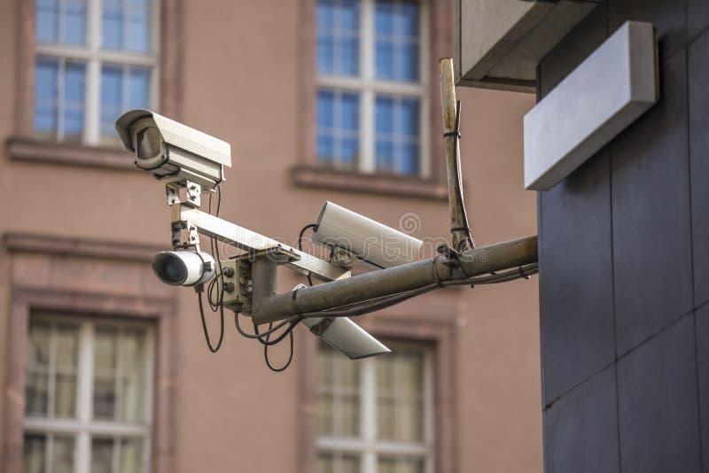 Einige Überwachungskameras lizenzfreies stockbild