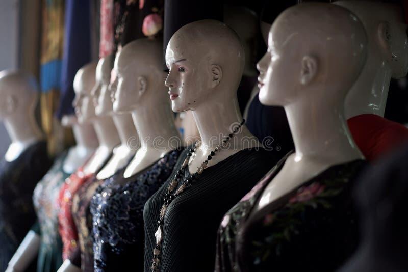 Einige Attrappen für Proben von Kleidung lizenzfreies stockbild