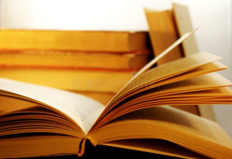 Einige Bücher stockbilder
