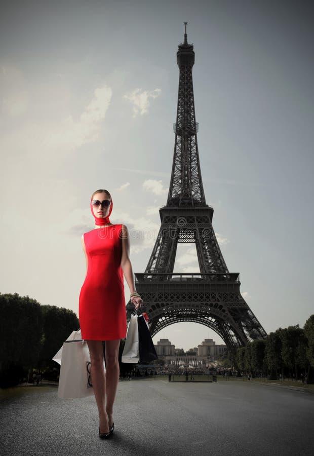 Einkauf in Paris lizenzfreie stockfotos