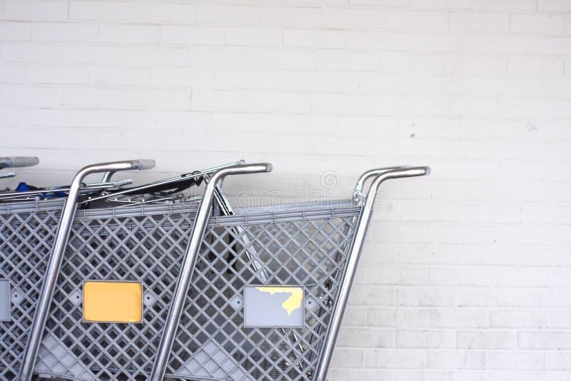 Einkaufen-Wagen lizenzfreie stockfotos